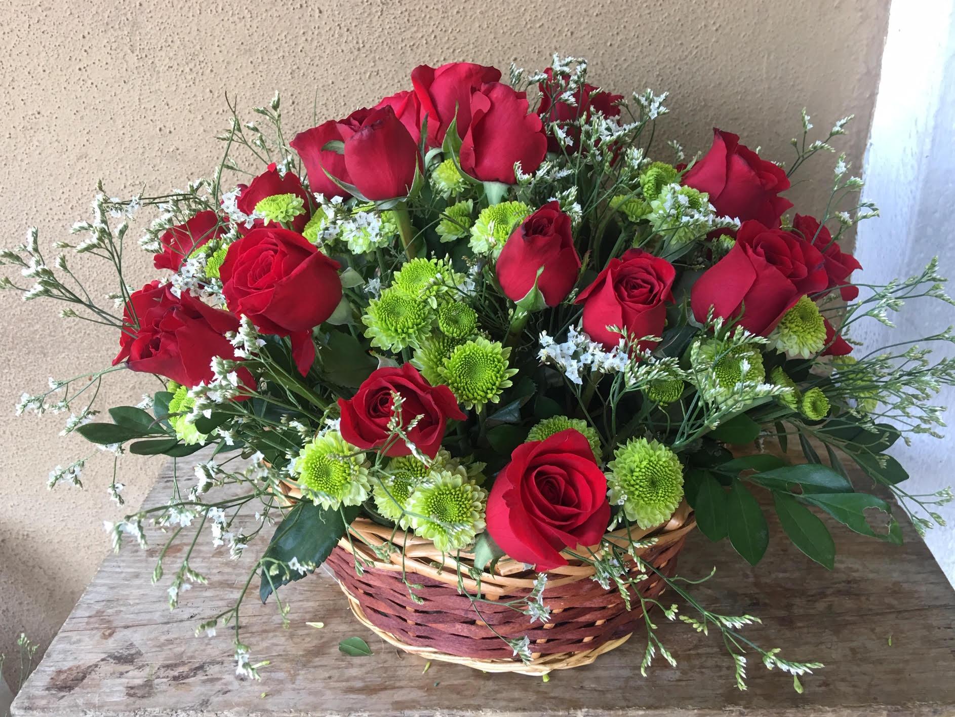 Canasta con 2 Docenas de Rosas Image