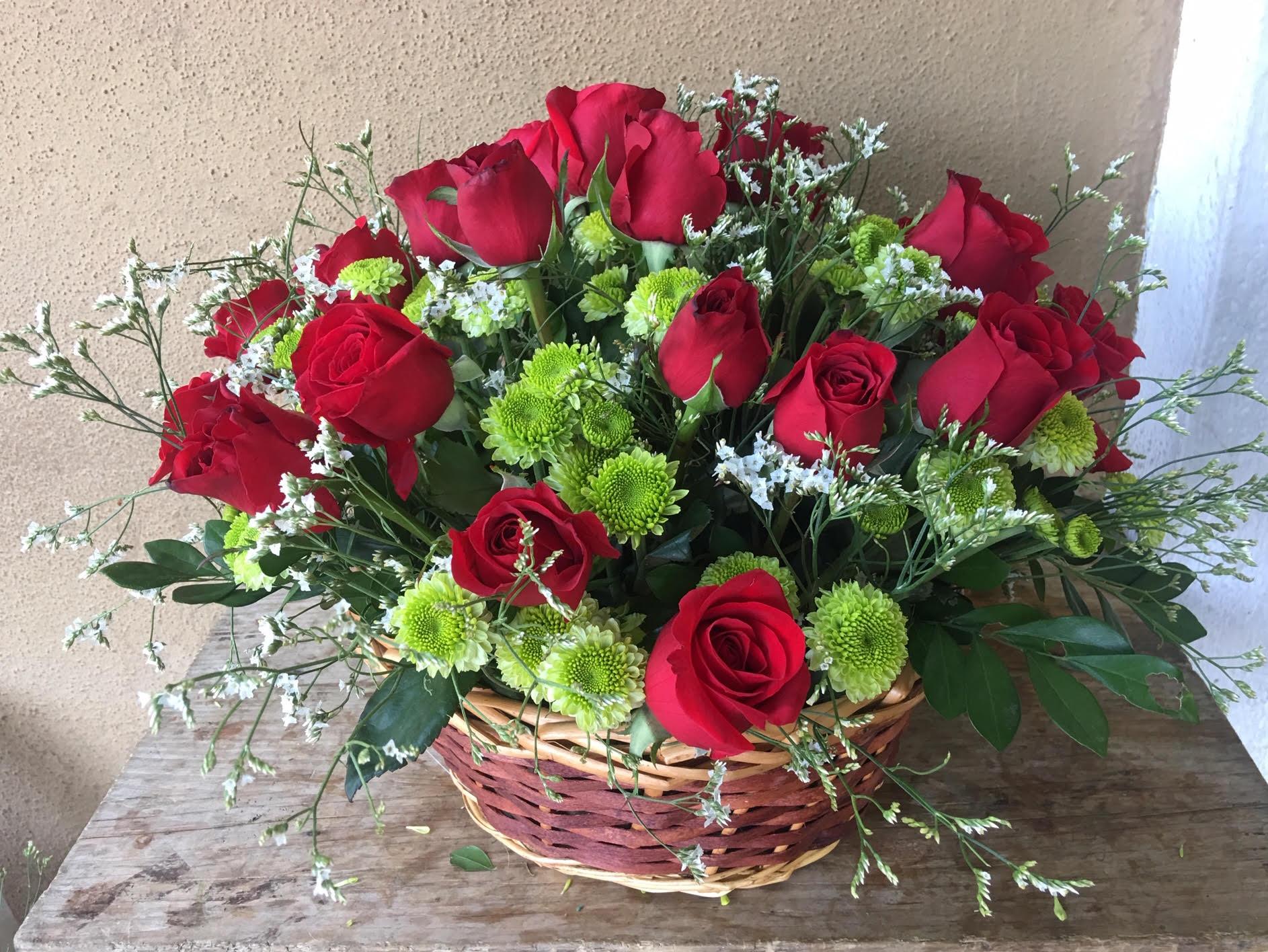 030 Cesta de dos docenas de rosas, colores a elegir Image