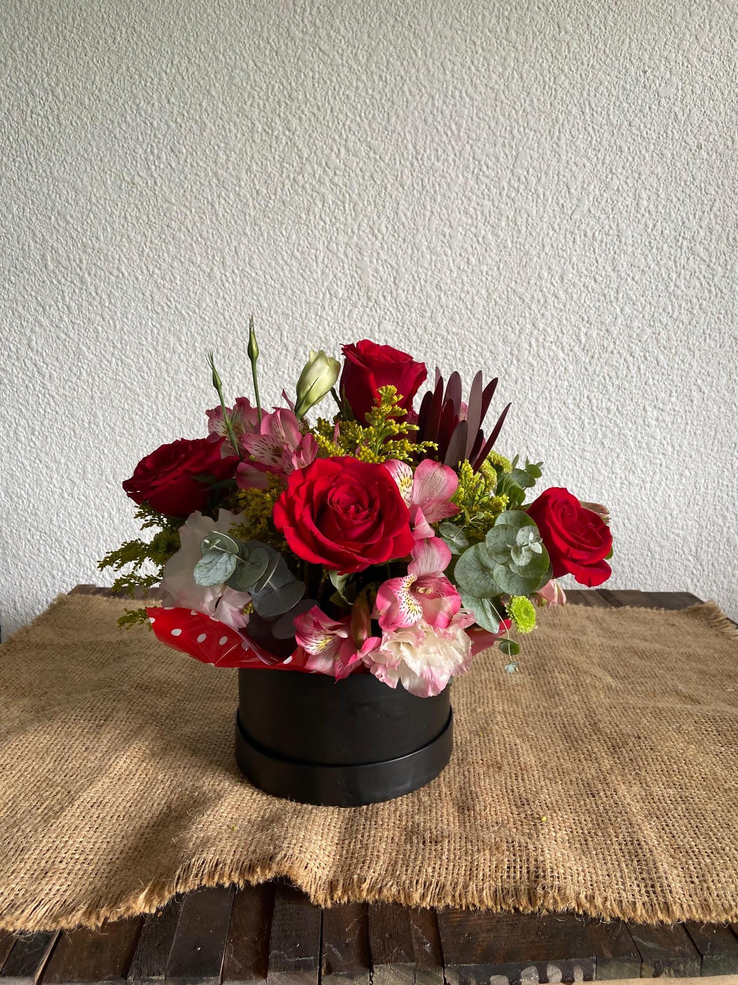023 Caja de flores variadas, pequeña Image